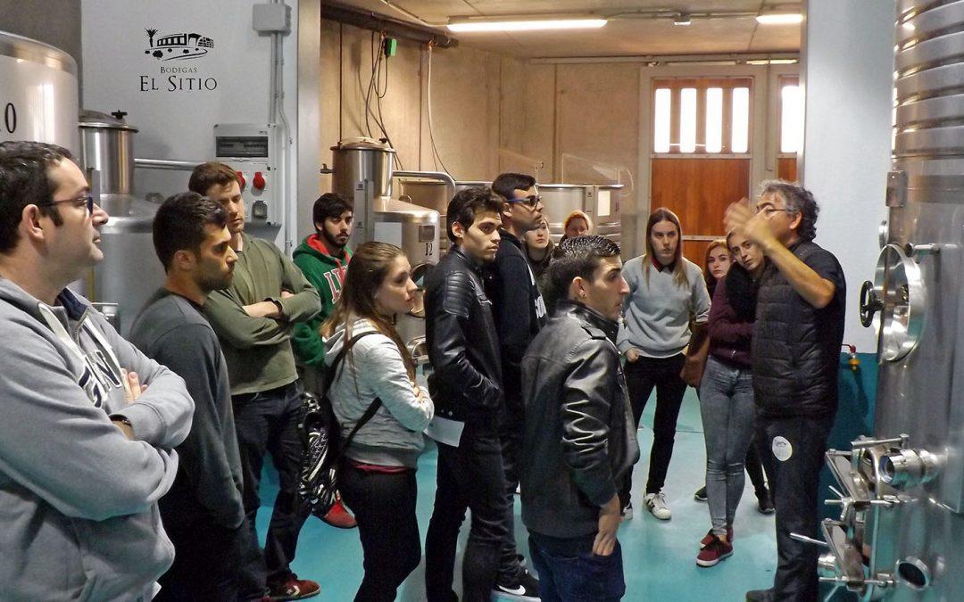 Los alumnos del IES Pérez Trujillo, conocieron Bodegas El Sitio