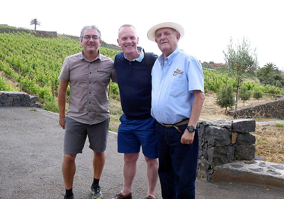 El Master of Wine británico Tim Atkin, visita Bodegas El Sitio